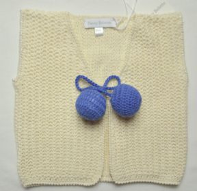 Cream/Royal blue gilet